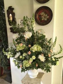 urn white w soft colors